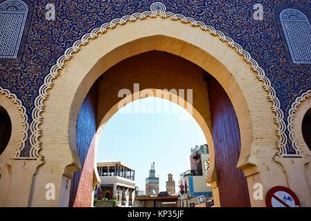 Bab Bou Jeloud, il blue gate di Fez, Marocco Foto Stock