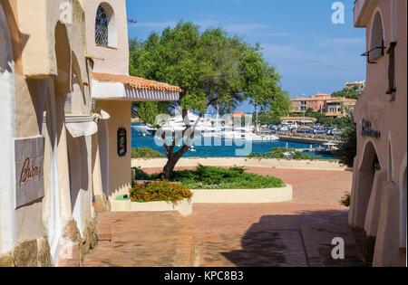 Case Stile Mediterraneo Sardegna : Case a porto cervo stile moresco destinazione di lusso in costa