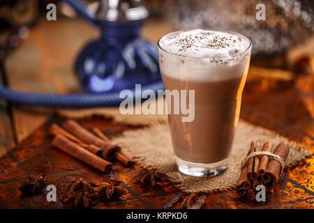 Hot chai latte Foto Stock