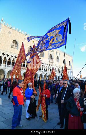 Venezia Bandiere Bandiera Repubblica Veneta Foto Stock