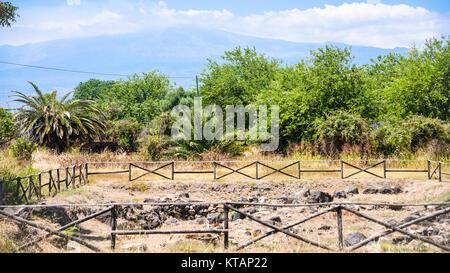 Vista delle rovine di Naxos Parco Archeologico