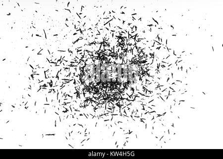 Crayon truciolo su sfondo bianco. matita sullo sfondo di trucioli Foto Stock