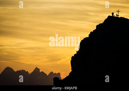 Vista al tramonto dal Rifugio Lagazuoi , montagne dolomitiche, Italia.