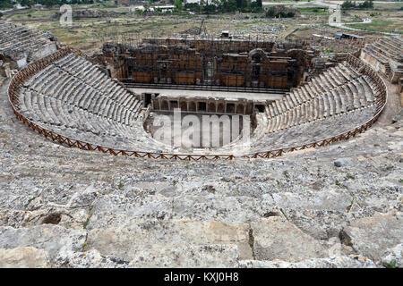 Ruderi del teatro in Hieropolis, Pamukkale, Turchia Foto Stock