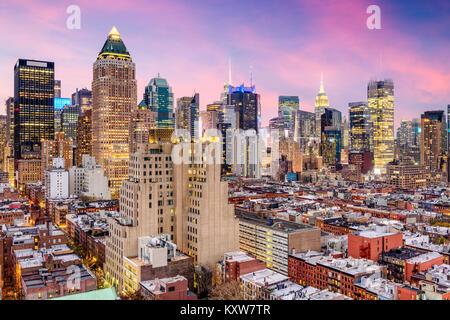 New York Midtown Manhattan skyline oltre Hell's Kitchen. Foto Stock