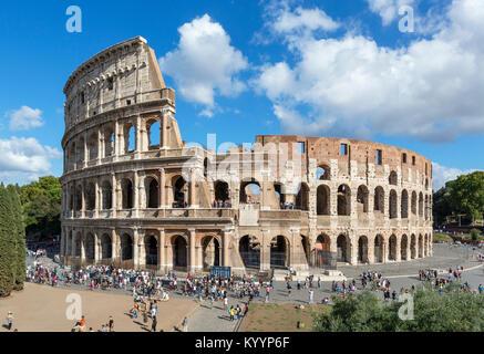 Il Colosseo romano, Roma, Italia Foto Stock