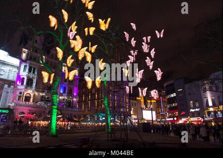 """Londra, Regno Unito. 18 gennaio, 2018. Posizioni intorno a Londra centrale dispongono di luce spettacolari visualizza creato da 40 world-class artisti e disegno a grandi folle. """" Vita notturna """" dalla società lanterna con Jo Pocock a Leicester Square Gardens. Credito: Malcolm Park/Alamy Live News. Foto Stock"""