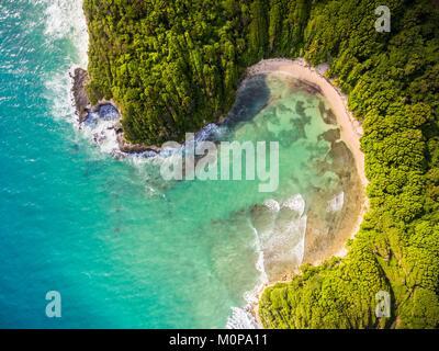 Francia,caraibi,Piccole Antille,Guadalupa,Grande-Terre,Le Gosier,vista aerea sulla spiaggia di Anse à Jacques (vista Foto Stock