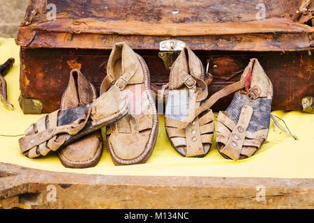Strumenti Per Lavorare Il Legno : Vecchi strumenti in legno per lavorare la calzatura in maniera