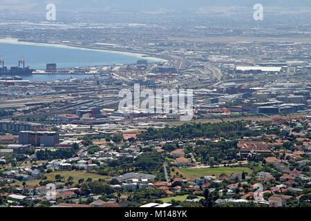 Vista di Città del Capo da Table Mountain, Western Cape, Sud Africa. Foto Stock