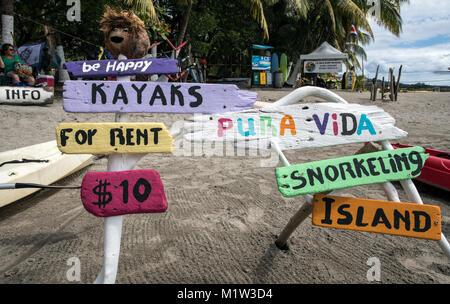 Segni di spiaggia Playa Hermosa Costa Rica America Centrale Foto Stock