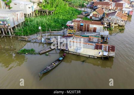 Chau Doc, Vietnam - il Sep 3, 2017. Villaggio galleggiante sul Fiume Bassac in Chau Doc, Vietnam del Sud. Chau Doc Foto Stock