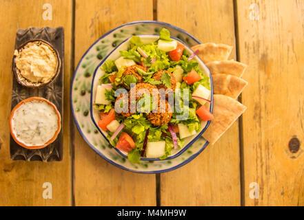 Vegano Insalata di Falafel Foto Stock