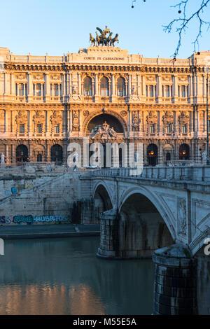 Il Palazzo di Giustizia, Roma, sede della Suprema Corte di Cassazione e Giustizia biblioteca pubblica, è situato Foto Stock