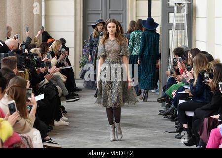Milano italia il 22 febbraio 2018 la donna della for Settimana della moda milano 2018