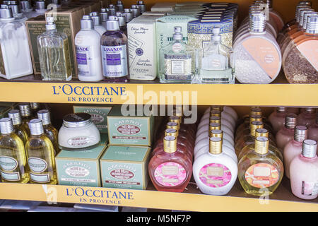 bf29ade4d8 ... Francia; Miami Florida International Airport Terminal MIA concourse  gate shopping area vendita L'Occitane en Provence