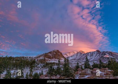 Sunrise, Panther Prato, Mount Shasta, Shasta-Trinity National Forest, California Foto Stock