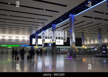 Il reclamo bagagli hall terminal aeroporto di heathrow