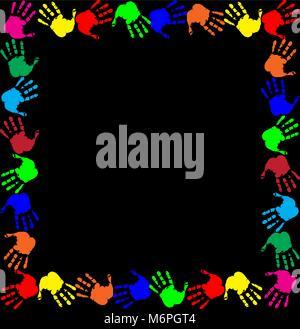 Brillante arcobaleno con telaio vuoto spazio copia di testo o di immagine e multicolori confine handprints isolati Foto Stock