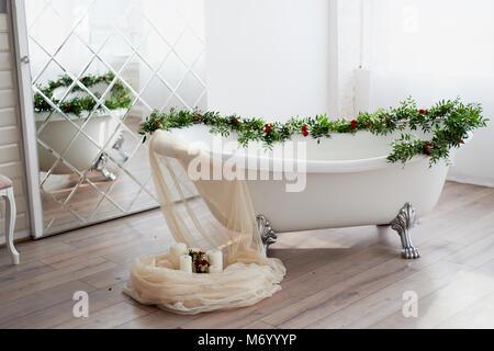 Vasca Da Bagno Con Zampe : Antica vasca da bagno con piedini arredamento e casalinghi in