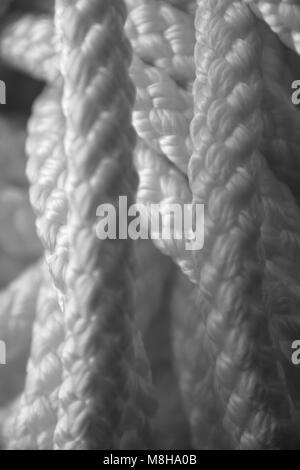 Ottica estrema delle funi in nylon in bianco e nero look Foto Stock