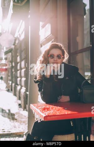 Bella Signora in unione Street Cafe Foto Stock