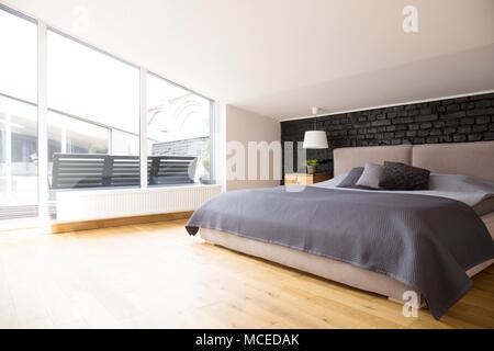 Camera da letto grigia amazing camera da letto grigio con for Camera da letto grigio perla