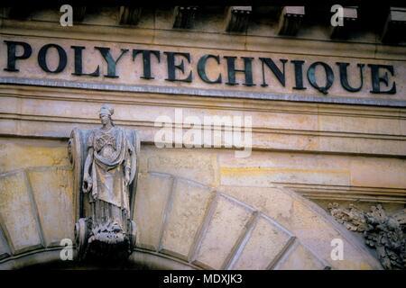 Parigi, rue Descartes, rue de la Montagne Sainte-Genevieve, facciata di ex Ecole Polytechnique, Foto Stock