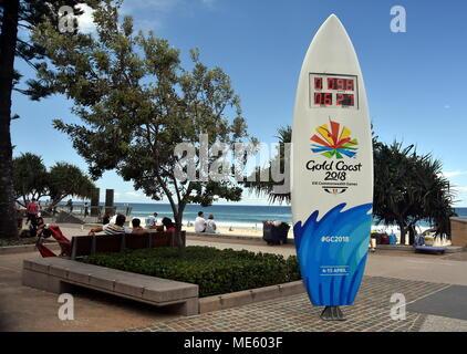 Surfers Paradise, Australia - 27 dic 2017. Una tavola da surf a tema orologio per il conto alla rovescia a Surfers Paradise, il conto alla rovescia per il 2018 Gold Coast Commonwealth Foto Stock