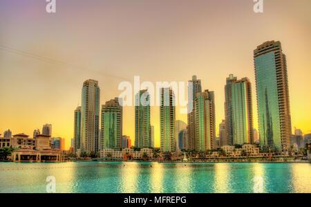 Tramonto nel centro cittadino di Dubai, Emirati Arabi Uniti Foto Stock