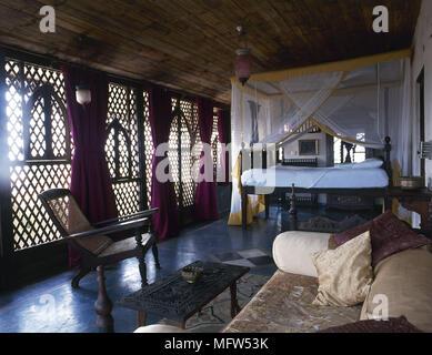 Camera Da Letto Stile Marocco : Stile arabo con camera da letto in legno intagliato letto con
