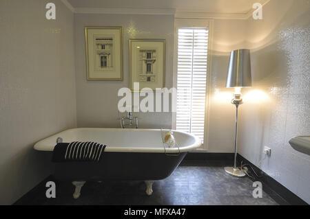 Vasca Da Bagno Tradizionale : Vasca da bagno ovale freestanding in acrilico doppio strato