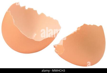 A guscio di uovo rotto closeup, isolata marrone incrinato vuoto guscio d'uovo dettaglio macro, luminoso dettagliato studio shot, grande spazio di copia Foto Stock