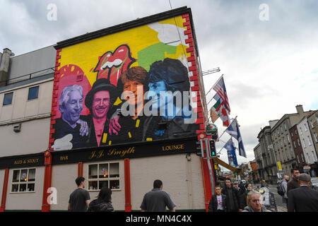 Dublino, Irlanda. 14/5/2018. Un murale del Rolling Stones rock band dipinti sopra JJ Smyth's pub di Dublino. Foto: ASWphoto Credito: ASWphoto/Alamy Live News