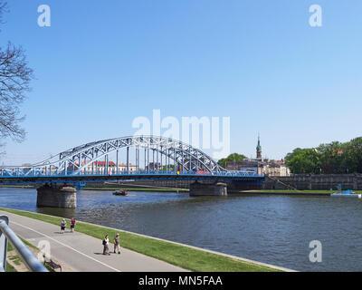 Cracovia il Ponte del maresciallo Józef Piłsudski o più Marszałka Józefa Piłsudskiego oltre il fiume Vistola Foto Stock