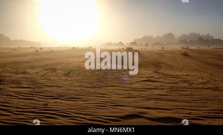 Tempesta di sabbia nel deserto Foto Stock