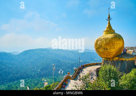 53ff28546027 ... Golden Rock Templ buddista · KYAIKTIYO