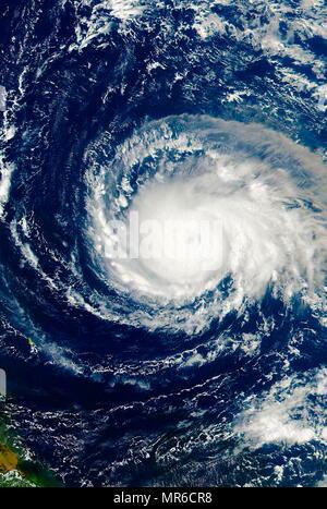 Il 7 settembre 4 2017, la NASA-NOAA's Suomi satellite NPP catturato questa vista di uragano Irma, un uragano di categoria 4 in avvicinamento alla Isole Sottovento Foto Stock