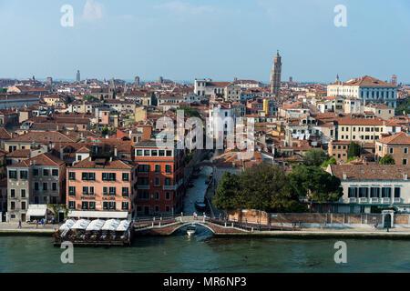 Italia : Venezia. Dal ponte della MS Westerdam crociera azionato da Holland America Line, vista su Ponte de la calcina sur le sur le Foto Stock