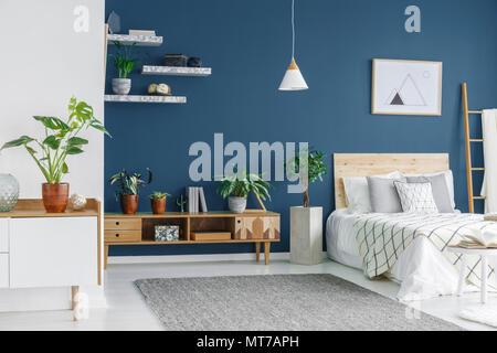 Camera Da Letto Blu Cobalto : Una camera da letto nella parte interna della casa di marmo uno