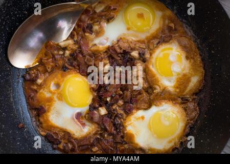La colazione israeliana- Shakshuka Foto Stock