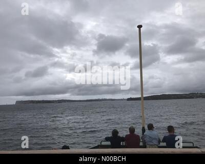 Sydney, Australia. Il 3° marzo 2017. Meteo: pioggia e vento sulla Manly Ferry di Sydney, Australia. Credito: Richard Foto Stock