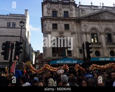 Londra, Regno Unito. Xviii Feb, 2018.Capodanno cinese a Londra UK Credit: Emin Ozkan/StockimoNews/Alamy Live News Foto Stock