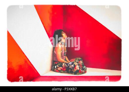 Ragazza afro cool seduta in studio di fronte a sfondo astratto Foto Stock