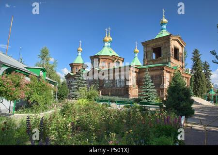Il legno Santa Trinità russo Cattedrale Ortodossa, Karakol, Kirghizistan Foto Stock