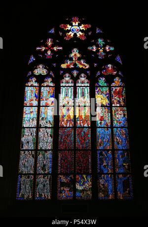 Repubblica ceca. Praga. Cattedrale di San Vito. Il vetro macchiato, 1918-1938.