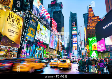 New York Times Square Manhattan luci di New York City Foto Stock