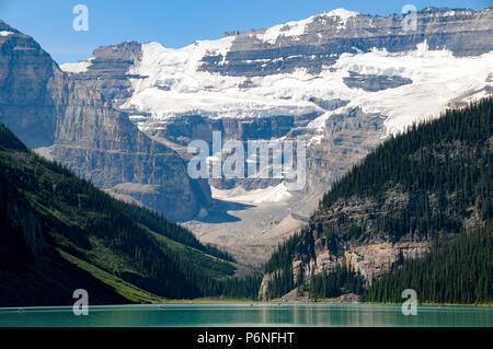 Il lago Louise e con sfondo del Monte Victoria Foto Stock