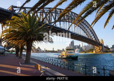 Harbour Bridge, il Darling Harbour, Sydney, Nuovo Galles del Sud, Australia Foto Stock