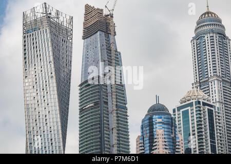 Vista prospettica dettagliata di un grattacieli di Dubai, Emirati Arabi Uniti, la costruzione di un grattacielo Foto Stock